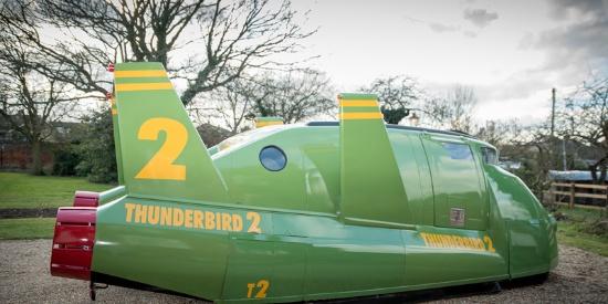 """英国公司打造""""雷鸟2号""""火箭造型汽车 34995英镑出售"""