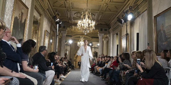 马德里Atelier Couture新娘时装周超模拉古纳