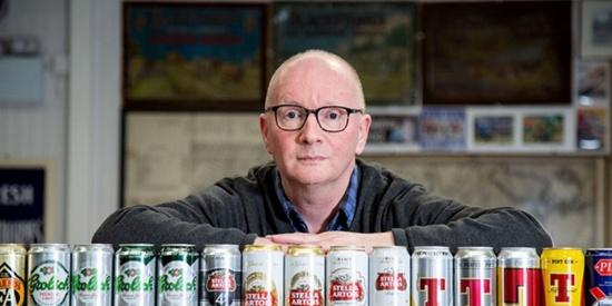 英男子花43年收集近万罐啤酒成\
