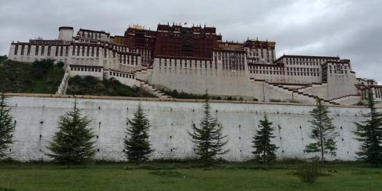 中国西藏拉萨布达拉宫风景图片