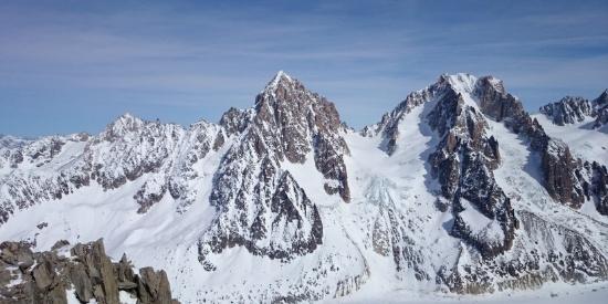 白茫茫的雪山高清风景摄影图片