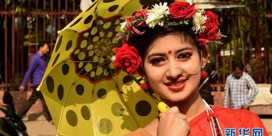 孟加拉国迎来孟历新年 街上美女如云