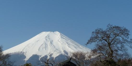 白雪皑皑的日本富士山高清风景摄影图片