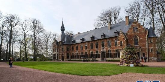 比利时拜加登城堡:尽显欧式园林风情