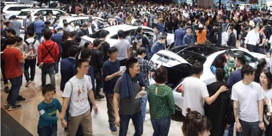 2019上海车展公众日迎来大客流 多重方案保障有序