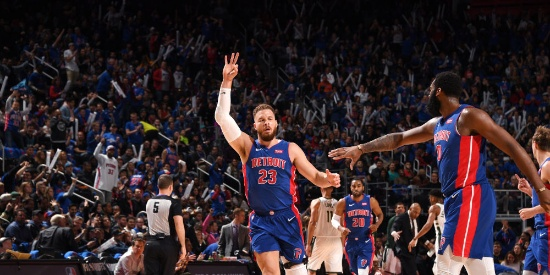 NBA季后赛首轮:雄鹿VS活塞