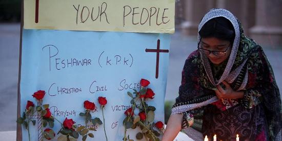 巴基斯坦多地民众举行守夜集会 悼念斯里兰卡系列爆炸遇难者