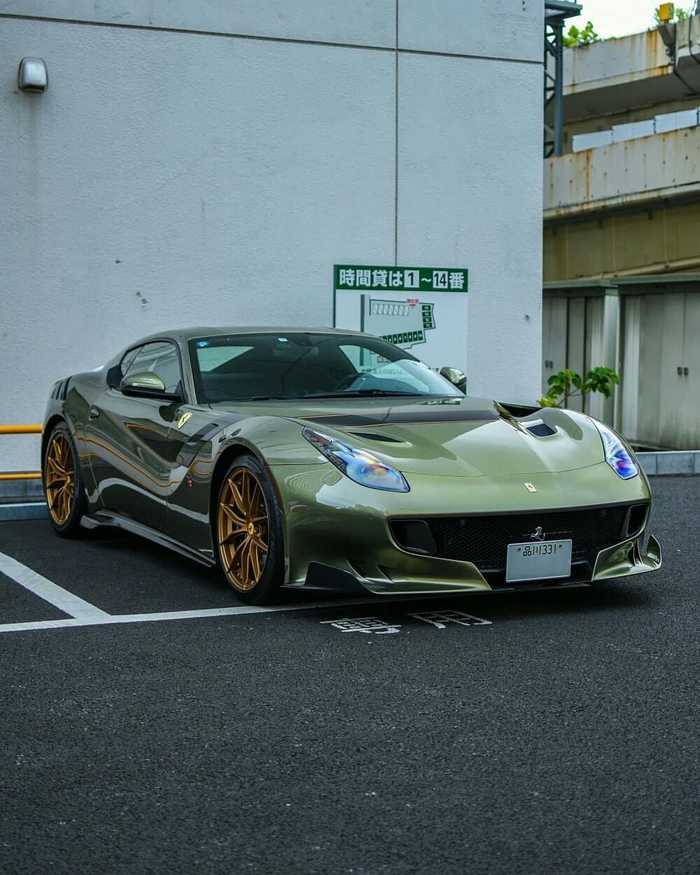 法拉利F12-TDF,这个颜色叫啥?