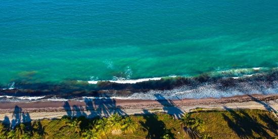 海岸线的鸟瞰图片