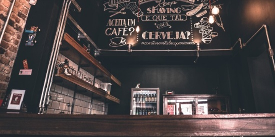 装修精致的咖啡店图片