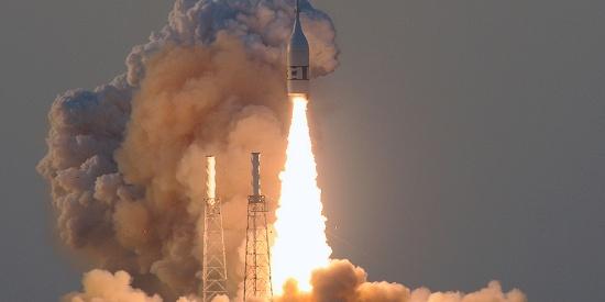"""NASA完成重返月球关键一步:成功测试""""猎户座""""飞船发射中止系统"""