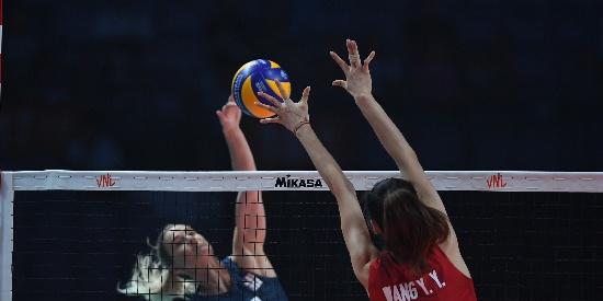 世联总决赛中国女排1-3美国无缘决赛
