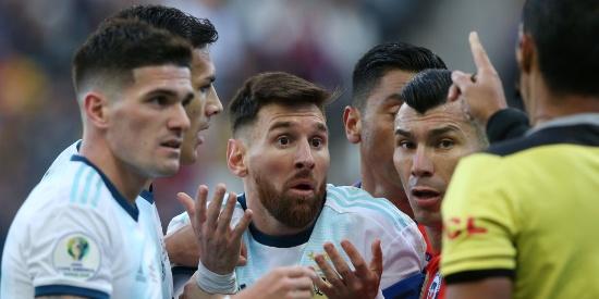 美洲杯:阿根廷2-1智利