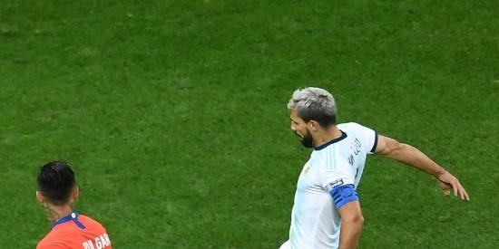 梅西红牌阿圭罗进球 阿根廷2-1夺季军