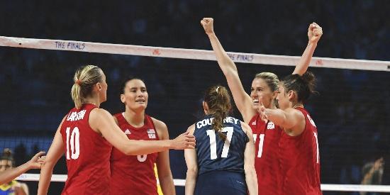 世联决战美国女排0-2落后逆袭蝉联冠军