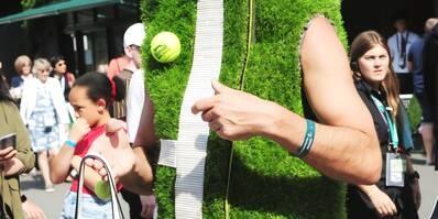 温网球迷奇葩装扮 年年不同造型抢风头