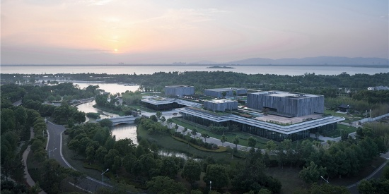 浙大建筑设计研究院-唐仲英基金会中国中心:消隐的建筑