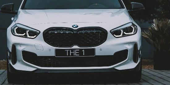 上M Performance套件的宝马1系Hatchback确实精神