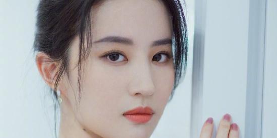 """天仙下凡 """"花木兰""""刘亦菲时尚大片美的耀眼"""