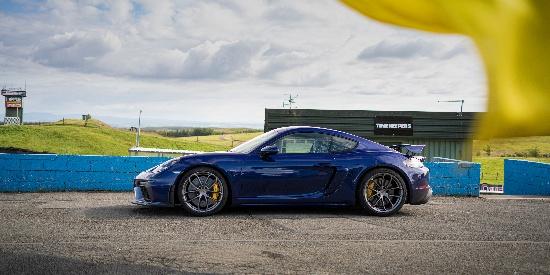 Porsche 718 Cayman GT4 (分辨率:4000)