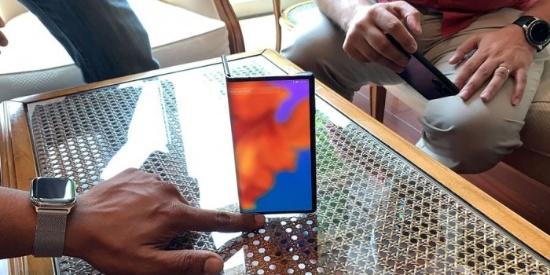 外媒再次体验华为可折叠手机Mate X:相机升级