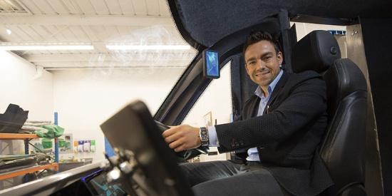 英国第一款氢动力汽车揭幕 6至10分钟充满电可行驶400英里