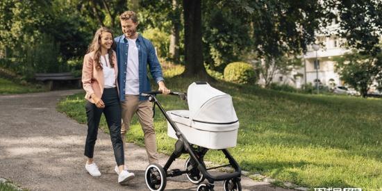 博世开发婴儿车智能辅助系统 电动助力让带娃出门变轻松