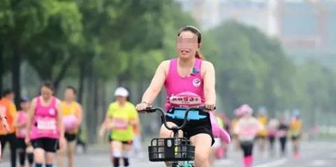 """""""骑共享单车""""跑马拉松"""