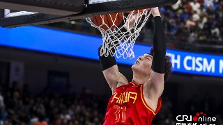军运会-中国男篮19分大胜美国2连胜 王哲林
