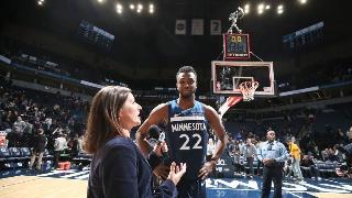 NBA常规赛:森林狼125-119勇士