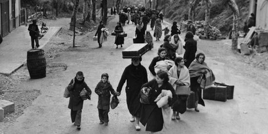 老照片:当德军占领法国后