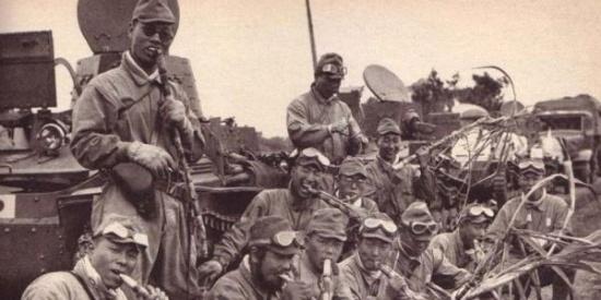 二战期间的日本士兵都吃哪些食物?很多都是从老百姓抢来的