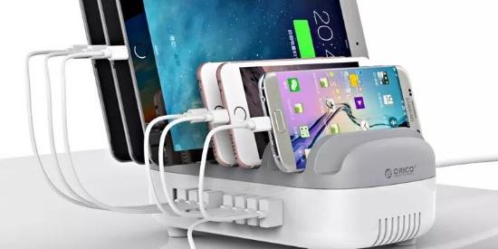 手掌大小的排插,能同时收纳10台电子设备还能同时充电?