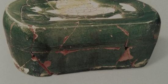 历史文物出土瓷器酱釉钵