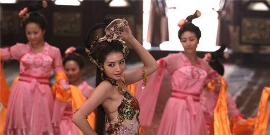 苏妲己是个绝色佳人,王丽坤虽然颜值气质俱全