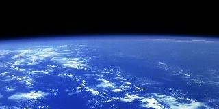 """带你近距离观赏奇异外太空,和那些在""""地球外""""工作的人们"""