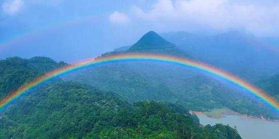 """意外惊喜!雨后的观音山居然出现了""""双彩虹"""",美翻了天~"""