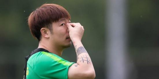 中超第17轮国安主场对阵重庆斯威,国安球员赛前积极备战比赛