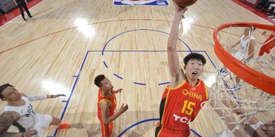 周琦大爆发 NBA夏季联赛 中国男篮67-84雄鹿告负