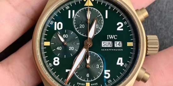 ZF万国IWC喷火战机飞行员计时青铜腕表,个性鲜明的飞行腕表