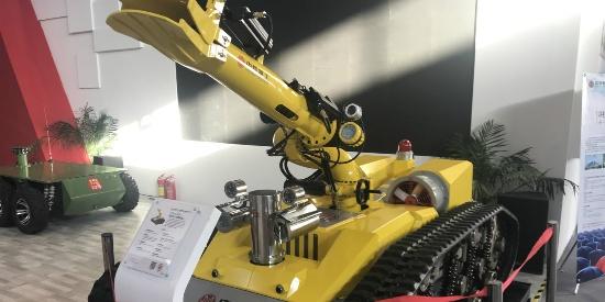 图集丨特种机器人亮相2019世界机器人大会,消防机器人抢眼