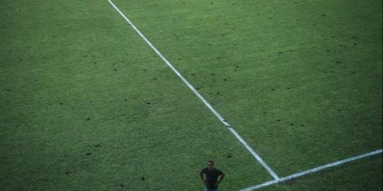 国足与马尔代夫的世预赛即将开始,但马尔代夫主场草皮质量却不行