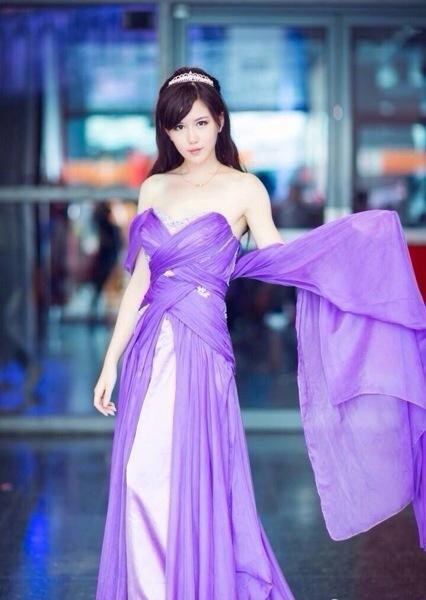 性感紫衣美女,太美了